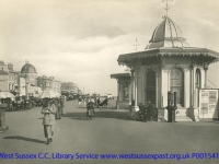 1921 Marine Parade and kiosks